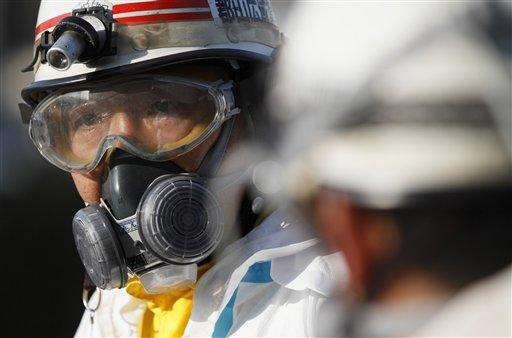 Fukushima nuclear reactor workers. Photo by stevenjohnhibbs.wordpress.com