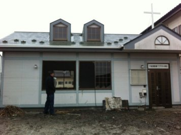 Japanese church damaged by tsunami