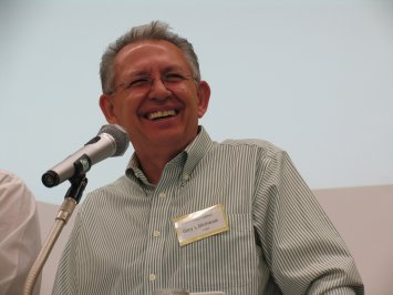 Dr. Gary L. McIntosh teaches pastors in A2/Japan