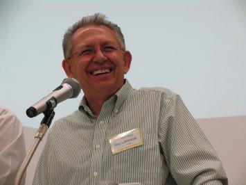 Dr. Gary L. McIntosh teaches pastors in A2/Japan