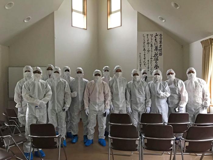 A2 JPN fukushima hazmat2